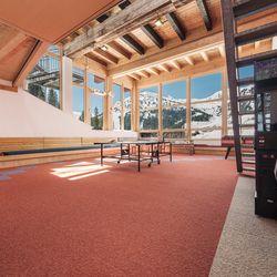 Großer Aufenthaltsraum im Alpincenter