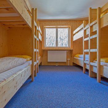 Multi-bed room for 8, 12, or 18 people